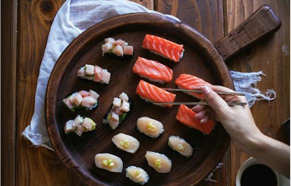Week's Favorites - Salmon Niguiri